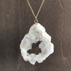 Anthropologie geode natural cut necklace